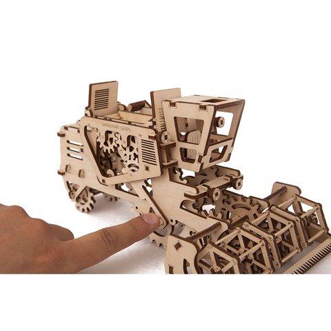Механический 3D-пазл UGEARS Комбайн - Просмотр 5